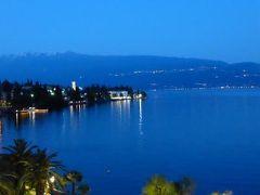 初夏の優雅な北イタリア旅行♪ Vol132(第8日目夜) ☆ガルドーネ・リビエラ(Gardone Riviera):「Grand Hotel Fasano」のグランジュニアスイートルームから夜景を眺めて♪