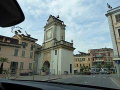 初夏の優雅な北イタリア旅行♪ Vol147(第10日目午前) ☆ガルドーネ・リビエラ(Gardone Riviera)から専用車ベンツでバレッジョ・サン・ミンチョ(Valeggio s.Mincio)へGO♪途中のデセンツァーノ・デル・ガルダを通過♪