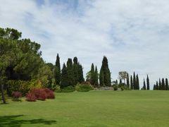 初夏の優雅な北イタリア旅行♪ Vol151(第10日目昼) ☆バレッジョ・サン・ミンチョ(Valeggio s.Mincio):憧れの庭園「Parco Sigurta Giardino」 広大な芝生の丘と咲き乱れるバラ♪