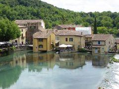 初夏の優雅な北イタリア旅行♪ Vol156(第10日目午後) ☆ボルゲット(Borghetto):ミンチョ川(Mincio)にかかるスカラ城への橋から可愛らしい水車の村「ボルゲット」を眺めて♪