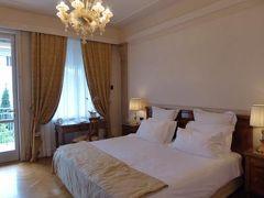 初夏の優雅な北イタリア旅行♪ Vol164(第10日目夕) ☆シルミオーネ(Sirmione):優雅なホテル「Villa Cortine Palace」のデラックスルーム♪