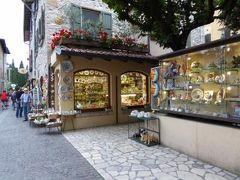 初夏の優雅な北イタリア旅行♪ Vol165(第10日目夜) ☆シルミオーネ(Sirmione):ホテルからレストランへ旧市街を優雅に歩く♪