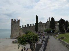 初夏の優雅な北イタリア旅行♪ Vol175(第11日目午後) ☆シルミオーネ(Sirmione):港から旧市街内を歩いてホテルへ♪