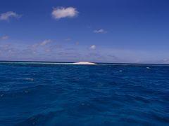 夏は、美しく碧き「八重干瀬」へ行こう...  2014. JULY  最強台風8号の落とし物 珊瑚の島を探しに