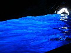 """奥様ご満足イタリアの旅【ノウハウ】 (4)カプリ島~無理して入った""""青の洞窟"""""""