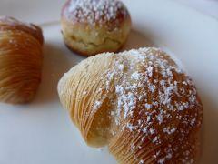 真夏の優雅な南イタリア旅行 ナポリ×プーリア州♪ Vol3(第2日目朝) ☆ナポリ(Napoli):「Grand Hotel Santa Lucia」の優雅な朝食♪