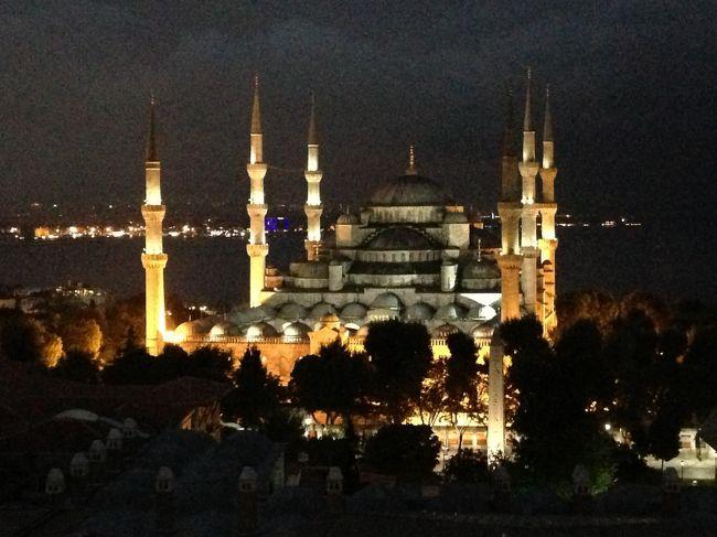 夏休みにトルコからギリシャを約2週間かけて周りました。<br />無料のWi-Fiにつながり次第、携帯の写真をアップして作った旅行記です。<br />トルコは母子3人旅です。上の子10歳、下の子5歳。ギリシャの途中から旦那が来ました。<br />トルコでは主に世界遺産めぐりが目的です。<br /><br /><訪問都市><br />イスタンブール<br />カッパドキア<br />パムッカレ<br />クシャダス(エフェソス遺跡)<br /><br />1トルコリラ(TL)は約50円です。