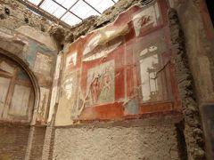 真夏の優雅な南イタリア旅行 Napoli×Puglia♪ Vol13(第2日目午前) ☆エルコラーノ(Ercolano):素晴らしいフレスコ画や赤い回廊に魅せられて♪