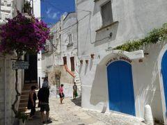 真夏の優雅な南イタリア旅行 Napoli×Puglia♪ Vol22(第3日目昼) ☆ペスキチ(Peschici):断崖の上の美しい白い街を優雅に散策♪