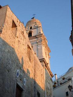 真夏の優雅な南イタリア旅行 Napoli×Puglia♪ Vol34(第3日目夕) ☆ビエステ(Vieste):黄昏の旧市街を優雅に歩く♪