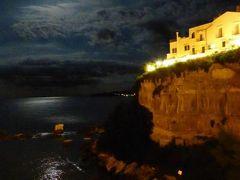 真夏の優雅な南イタリア旅行 Napoli×Puglia♪ Vol37(第3日目夜) ☆ビエステ(Vieste):満月と煌めく夜景の競演に酔いしれる♪