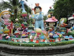「タイ航空にてプーケットの旅」トゥンカ・カフェ プーケット・ファンタシー コーラル島 (滞在ホテル エヴァソン・ プーケット)