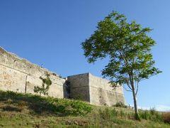 真夏の優雅な南イタリア旅行 Napoli×Puglia♪ Vol60(第5日目夕) ☆ビエステ(Vieste):カステッロCastello(スヴェーヴォ城)の外観を鑑賞♪