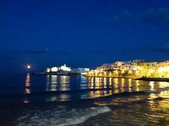 真夏の優雅な南イタリア旅行 Napoli×Puglia♪ Vol62(第5日目夜) ☆ビエステ(Vieste):最後の夜は満月♪夜景の美しい旧市街や旧港を歩く♪