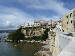 真夏の優雅な南イタリア旅行 Napoli×Puglia♪ Vol65(第6日目午前) ☆ビエステ(Vieste):出発までに旧市街の断崖と絶景を眺めて♪