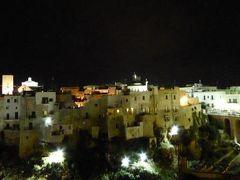 真夏の優雅な南イタリア旅行 Napoli×Puglia♪ Vol75(第6日目夜) ☆ポリニャーノ・ア・マーレ(Polignano a Mare):「Hotel Covo dei Saraceni」のスイートルームから美しい夜景を眺めて♪