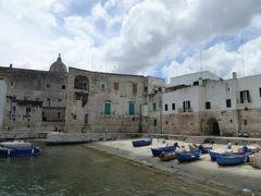 真夏の優雅な南イタリア旅行 Napoli×Puglia♪ Vol83(第7日目昼) ☆モノポリ(Monopoli):旧市街を優雅に歩く♪中世の趣が濃い旧港「Cala Vecchio Porto」♪