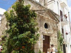 真夏の優雅な南イタリア旅行 Napoli×Puglia♪ Vol86(第7日目昼) ☆モノポリ(Monopoli):旧市街を優雅に歩く♪可愛い「Chiesetta S.Vito」と城壁「Mura di Cinta」を鑑賞♪