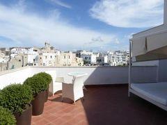 真夏の優雅な南イタリア旅行 Napoli×Puglia♪ Vol90(第7日目午後) ☆ポリニャーノ・ア・マーレ(Polignano a Mare):「Hotel Covo dei Saraceni」のスイートルームで優雅にくつろぐ♪