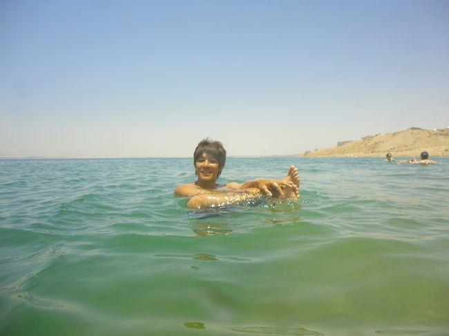世界一周の最後、中2日でヨルダンに行き、<br /><br />強行スケジュールで、ぺトラと死海に行きました。<br />