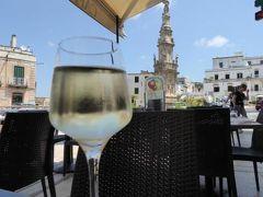 真夏の優雅な南イタリア旅行 Napoli×Puglia♪ Vol112(第8日目昼) ☆オストゥーニ(Ostuni):中心広場Piazza Ribertaで優雅なランチ♪