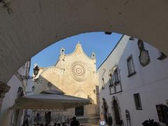 真夏の優雅な南イタリア旅行 Napoli×Puglia♪ Vol117(第8日目夕) ☆オストゥーニ(Ostuni):黄昏の旧市街 ラビリンスを優雅に歩く♪