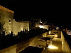 真夏の優雅な南イタリア旅行 Napoli×Puglia♪ Vol120(第8日目夜) ☆オストゥーニ(Ostuni):「La Sommita Relais」の美しい夜景と夜の明かりのスイートルーム♪