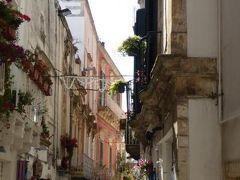 真夏の優雅な南イタリア旅行 Napoli×Puglia♪ Vol149(第9日目午後) ☆マルティーナ・フランカ(Martina Franca):Palazzo DucaleからBasilica di San Martinoへ優雅に歩く♪