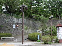 重厚な石垣が残る盛岡城登城