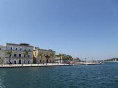 真夏の優雅な南イタリア旅行 Napoli×Puglia♪ Vol173(第10日目午前) ☆ブリンディシ(Brindisi):旧市街から船でMonumento al Marinaioへ渡る♪