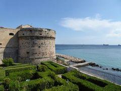 真夏の優雅な南イタリア旅行 Napoli×Puglia♪ Vol181(第10日目午後) ☆ターラント(Taranto):海軍の将校に案内されるアラゴン城(Castello Aragonese)を見学♪