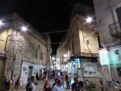 真夏の優雅な南イタリア旅行 Napoli×Puglia♪ Vol194(第10日目夜) ☆オストゥーニ(Ostuni):旧市街の夜景とショッピングを楽しむ♪
