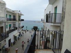 真夏の優雅な南イタリア旅行 Napoli×Puglia♪ Vol251(第13日目夕) ☆オートラント(Otranto):「Hotel Palazzo Papaleo」のジュニアスイートルームから旧市街を眺めて♪