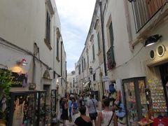 真夏の優雅な南イタリア旅行 Napoli×Puglia♪ Vol253(第13日目夕) ☆オートラント(Otranto):旧市街のメインストリート「Via d'Aragona」を歩く♪