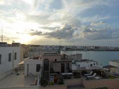 真夏の優雅な南イタリア旅行 Napoli×Puglia♪ Vol273(第14日目夕) ☆オートラント(Otranto):「Hotel Palazzo Papaleo」の屋上から黄昏のパノラマを楽しんで♪