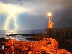 真夏の優雅な南イタリア旅行 Napoli×Puglia♪ Vol276(第14日目夜) ☆オートラント(Otranto):夜の旧市街を歩いて素敵な写真展を鑑賞♪