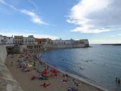 真夏の優雅な南イタリア旅行 Napoli×Puglia♪ Vol298(第15日目夕) ☆ガリポリ(Gallipoli):美しい旧市街を優雅に散策♪旧市街の小さなビーチと黄昏のイオニア海♪