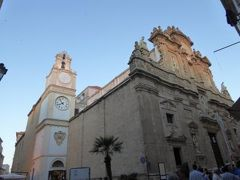 真夏の優雅な南イタリア旅行 Napoli×Puglia♪ Vol300(第15日目夕) ☆ガリポリ(Gallipoli):黄昏の美しい旧市街を歩いてレストランへ♪