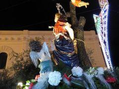 真夏の優雅な南イタリア旅行 Napoli×Puglia♪ Vol304(第15日目夜) ☆ガリポリ(Gallipoli):楽しいお祭り♪昇天祭の聖母マリアと聖楽隊を眺めて♪