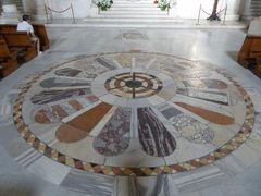 真夏の優雅な南イタリア旅行 Napoli×Puglia♪ Vol325(第17日目午後) ☆バーリ(Bari):バラ窓が美しい大聖堂「Cattedrale di San Sabino」を鑑賞♪