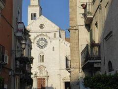 真夏の優雅な南イタリア旅行 Napoli×Puglia♪ Vol326(第17日目午後) ☆バーリ(Bari):大聖堂「Cattedrale di San Sabino」からバーリ城「Castello Svevo Normanno」へ歩く♪