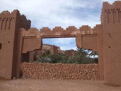 2011/2 モロッコ周遊バスツアー7泊10日 2/6 <オートアトラス&アイトベンハッドゥ>