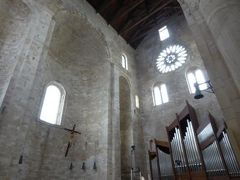 真夏の優雅な南イタリア旅行 Napoli×Puglia♪ Vol347(第18日目午後) ☆トラーニ(Trani):美しい大聖堂「Cattedrale di San Nicola Pellegrino」を鑑賞♪