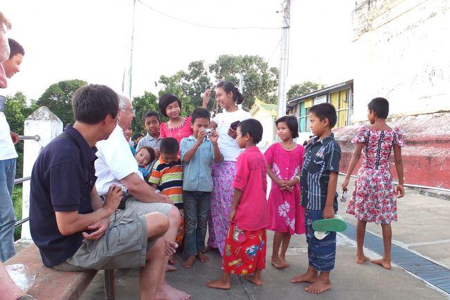 ミャンマーでは観光地化されていない地方都市も見てみたいなあと思い、<br />ヤンゴンとバガンのほぼ中央にある地方都市ピイ(Pyay)に行きました。<br />ピイでは今年6月にミャンマー初の世界遺産が決定し、<br />近い将来多くの観光客が訪れるようになるでしょう。