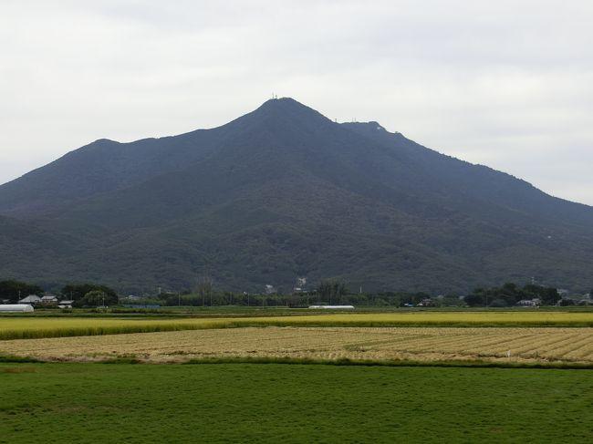 以前、筑波山 女体山に登ったのですが、何故だったのか男体山には行かずに下山してしまいました。<br />ずっと気になっていて、今回、男体山に行って来ました。<br />ただ・・・右足膝裏が痛く800mまで、ケーブルカーで運んで頂きました(^^;)