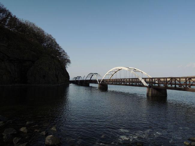 青森~北海道旅行の続編です。今回は、江差にあるかもめ島を探検したときの模様をお届けします。<br /><br />なお、このアルバムは、ガンまる日記:青森~北海道旅行(13)[http://marumi.tea-nifty.com/gammaru/2014/09/post-9ba7.html]とリンクしています。詳細については、そちらをご覧くだされば幸いです。