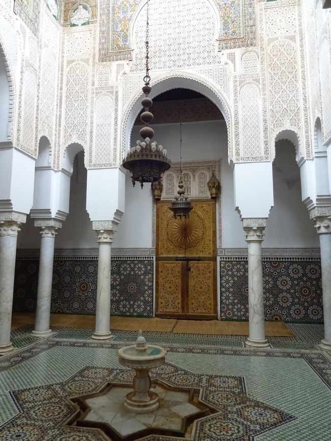 NO.9/11 カタール航空ビジネスクラス利用/砂漠のホテルに泊まる モロッコ世界遺産の旅11日間