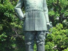 薩摩の国に西郷さんをしのび、桜島を仰ぐ