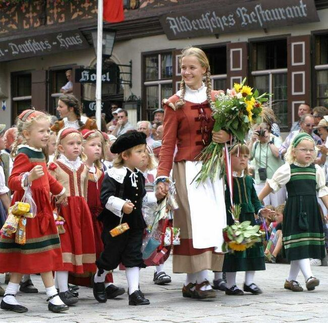 ≪30年戦争にまつわる伝説:その②ディンケルスビュールのキンダーツェッヒェの祭り≫