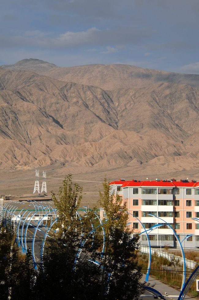 2013年中国新疆放浪記039・コース変更、先に敦煌へ。その途中大柴旦に逗留!